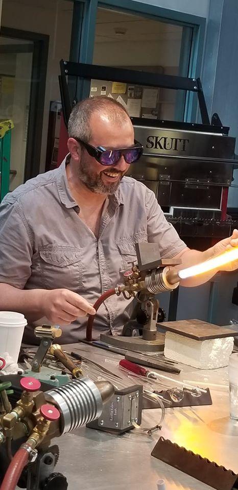 Frédéric Demoisson en démonstration au Corning Museum of Glass